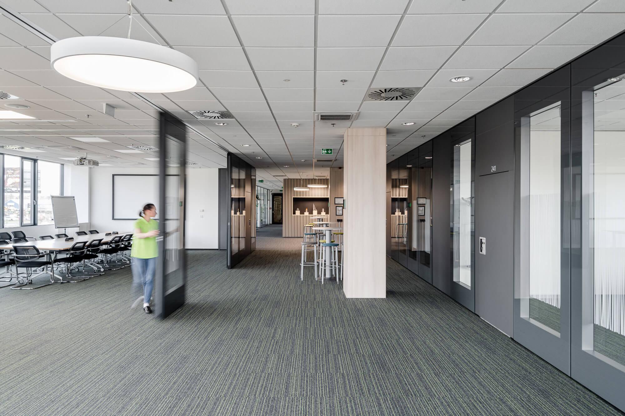 Efektívne využitie administratívnych a spoločenských priestorov