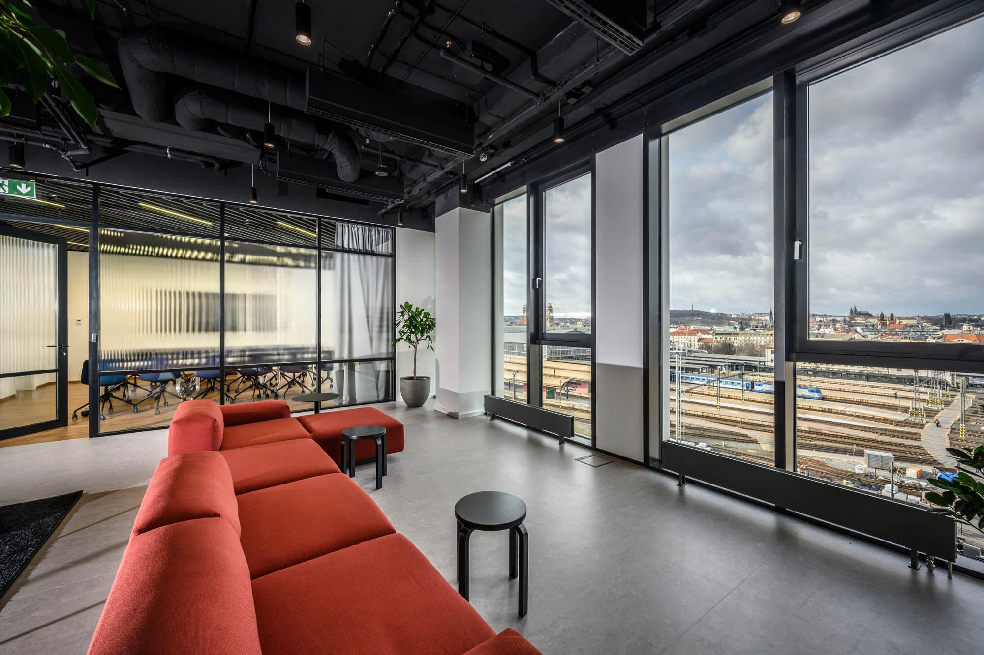 Moderné kancelárie s výhľadom na Prahu